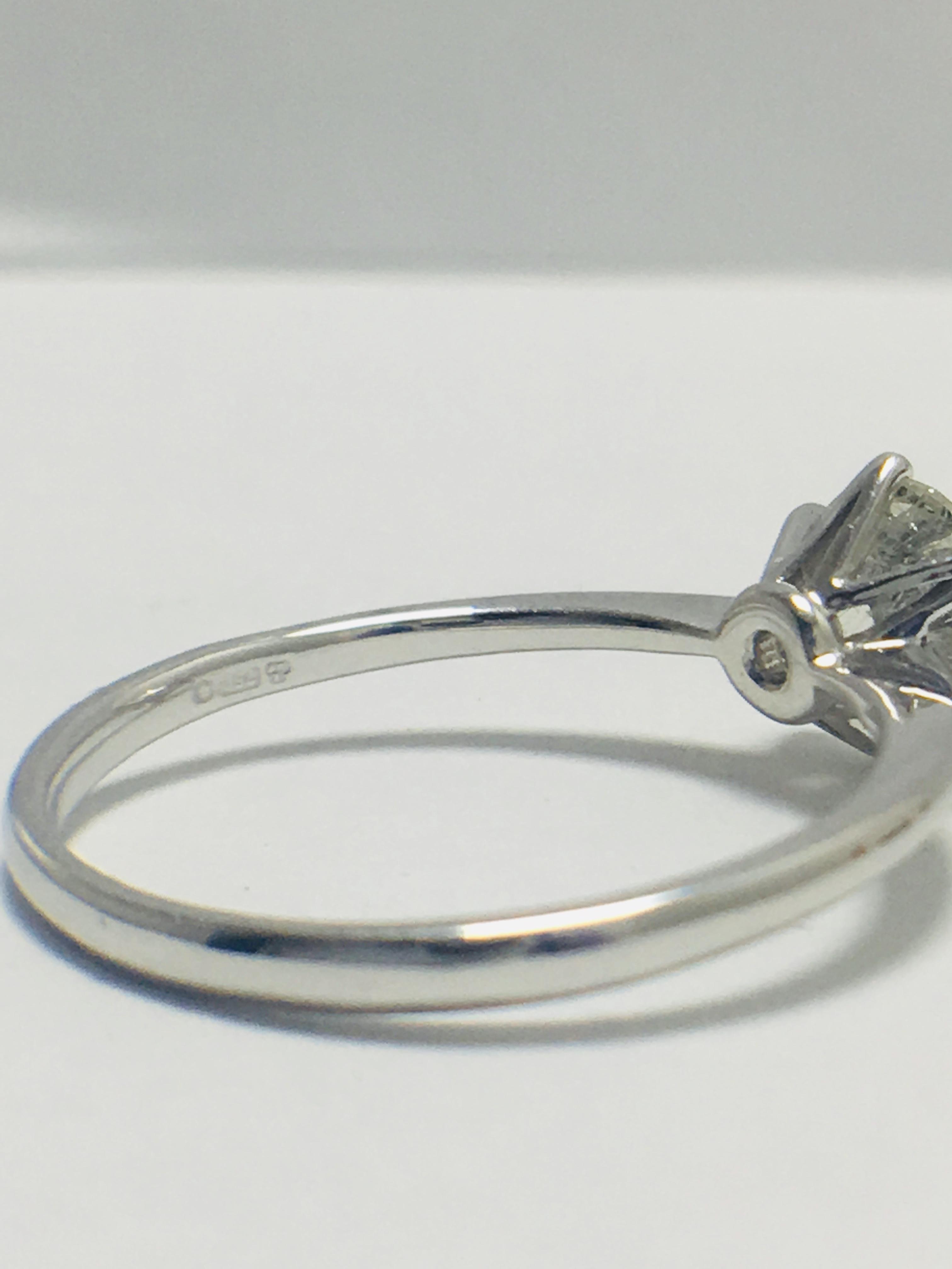 1ct platinum Diamond solitaire ring - Image 6 of 10