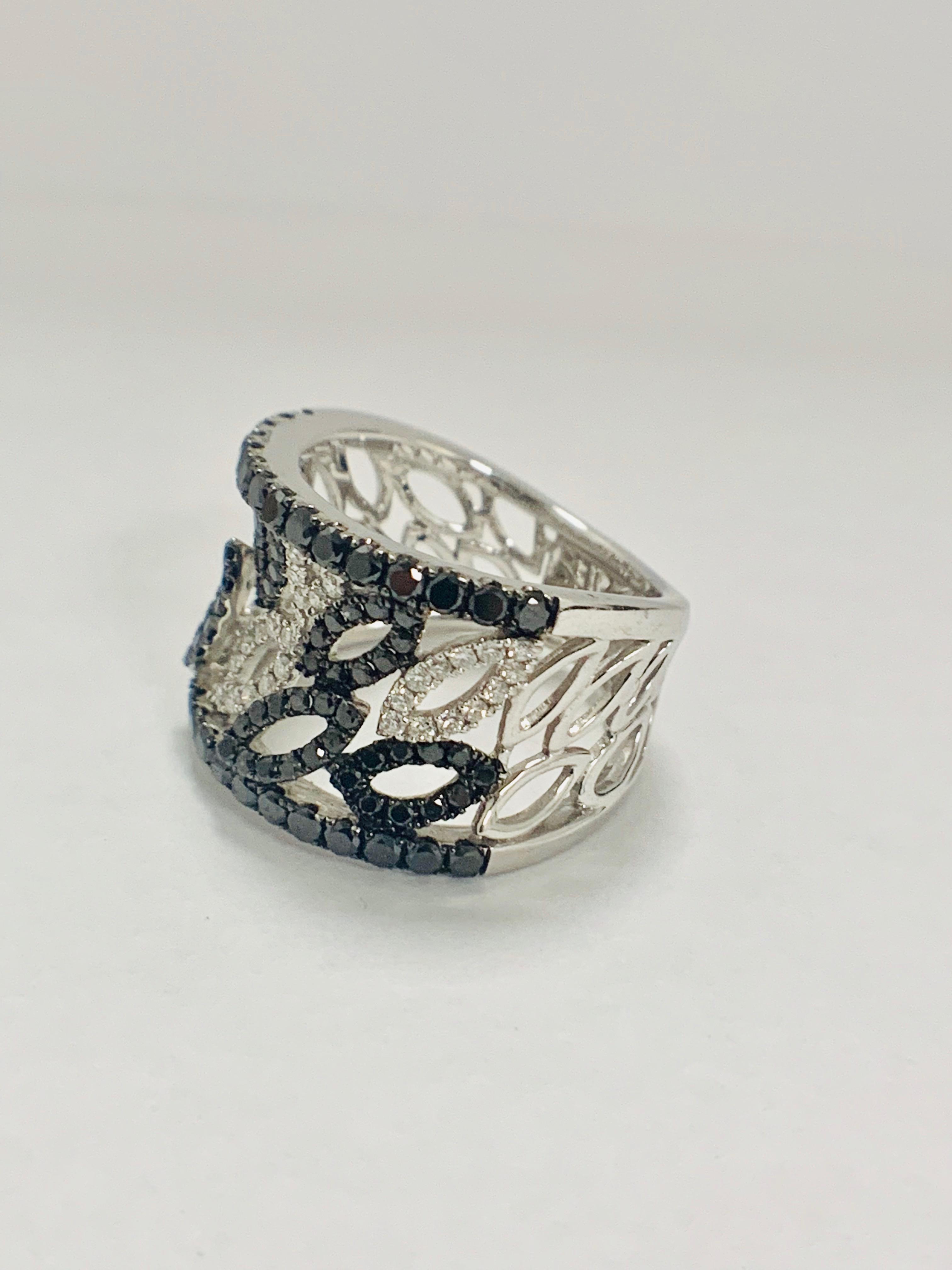 18ct White Gold Diamond ring featuring 90 round cut, black Diamonds (1.14ct TBDW) - Image 6 of 15