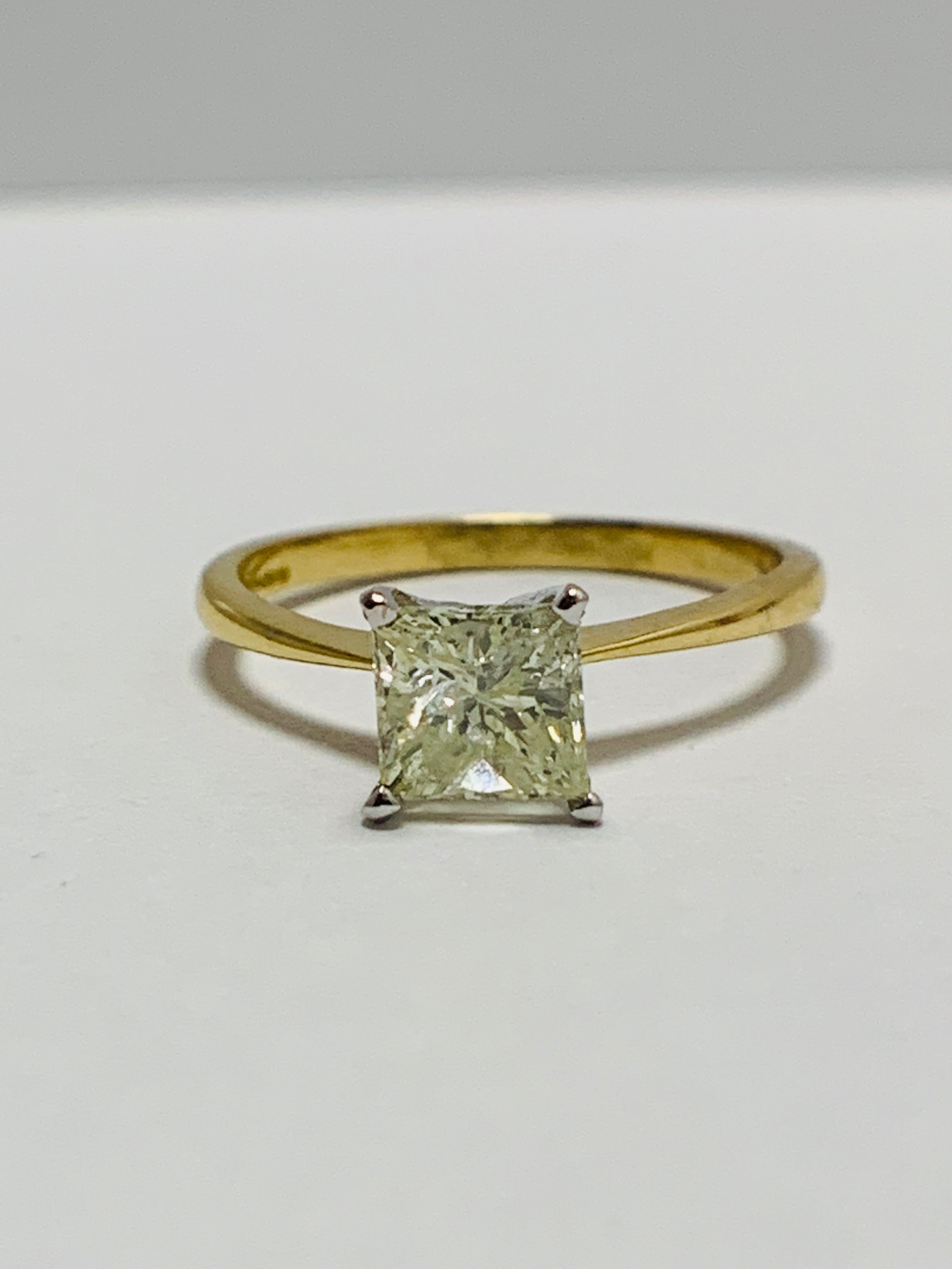 18ct Princess Cut natural diamond solitaire ring - Image 9 of 10