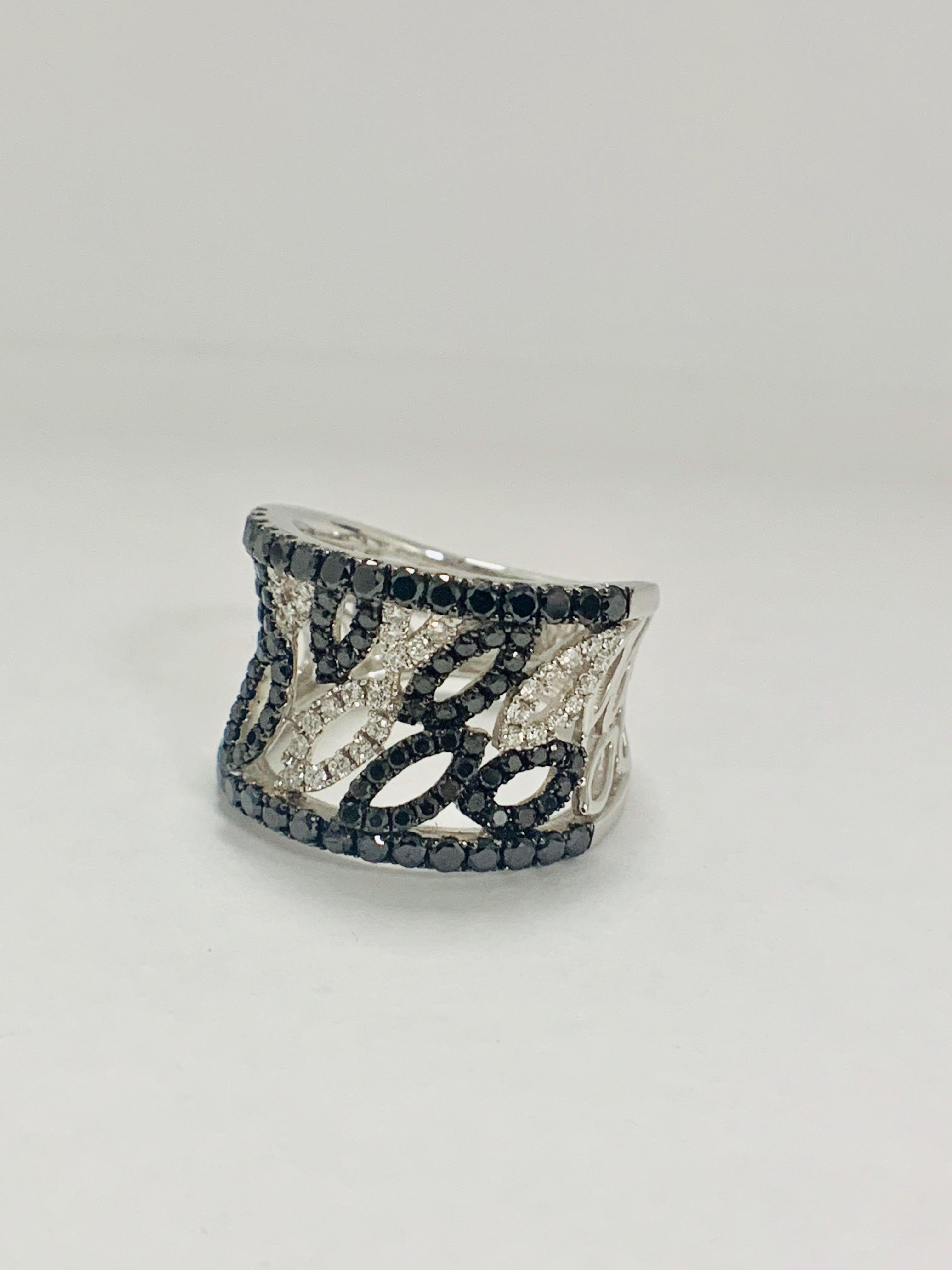 18ct White Gold Diamond ring featuring 90 round cut, black Diamonds (1.14ct TBDW) - Image 4 of 15