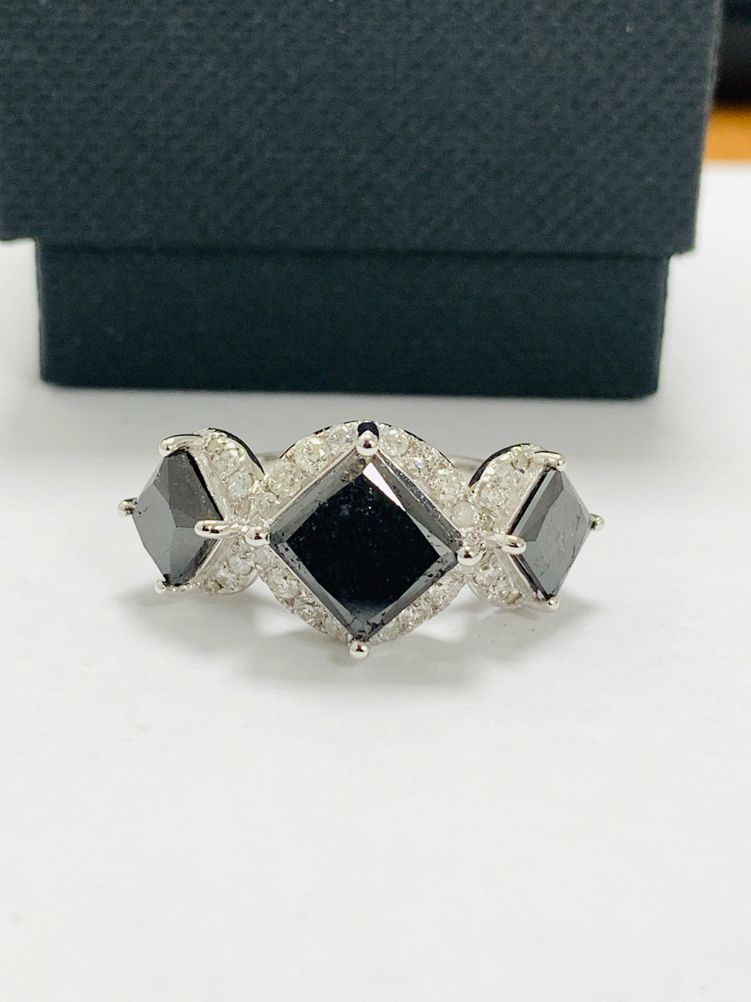 14ct white gold black diamond trilogy ring. - Image 11 of 14