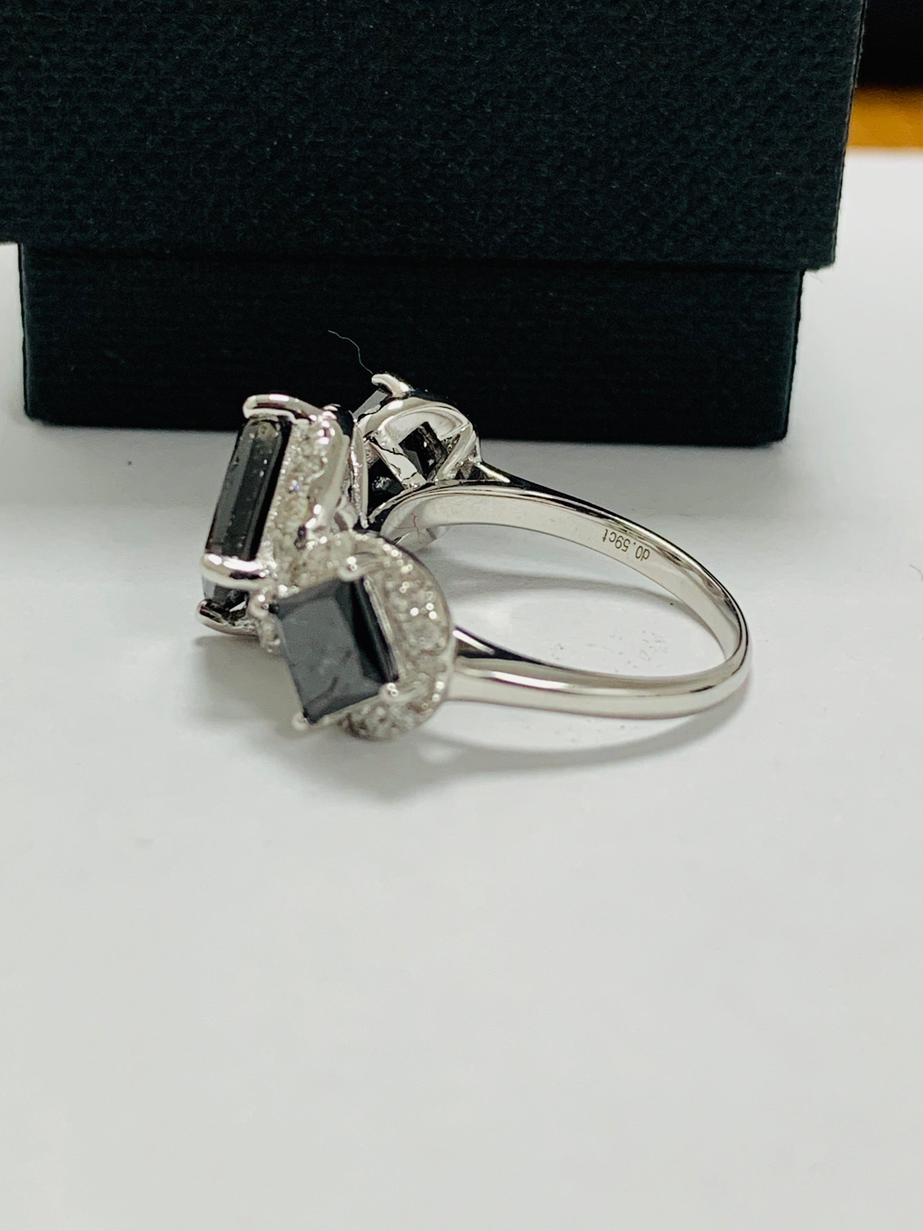 14ct white gold black diamond trilogy ring. - Image 5 of 14