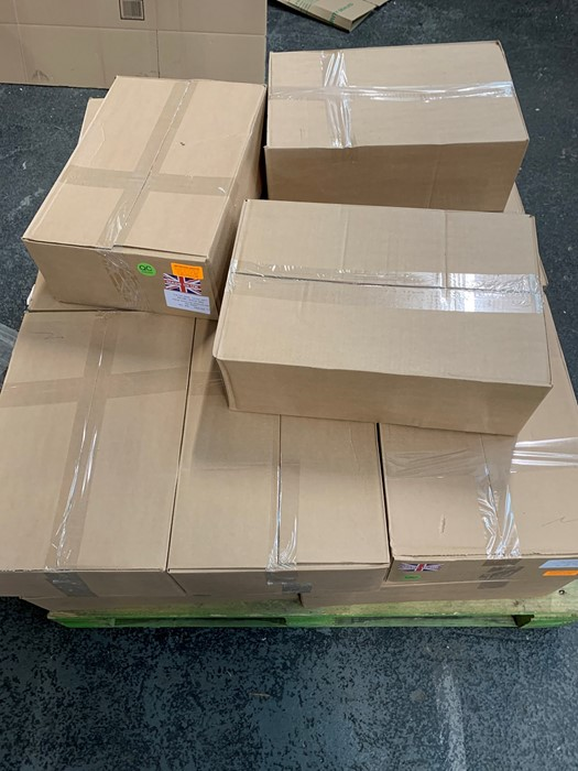 Lotto 57 - 1 LOT TO CONTAIN 17 BOXES OF ASSORTED MAILING ORANGE OPAQUE HIGH DENSITY S/W BAGS / 500 PER BOX /