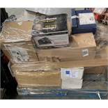 1 LOT TO CONTAIN ASSORTED STATIONARY EQUIPMENT / INCLUDES ASSORTED FOLDERS, ASSORTED ENVOLOPES,