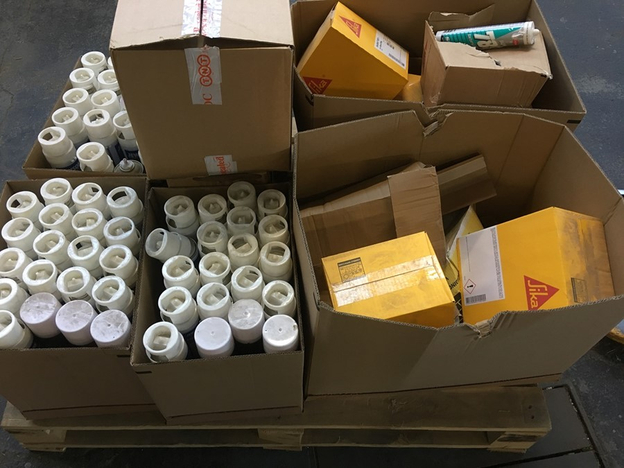 Lotto 99 - 1 LOT TO CONTAIN ASSORTED DIY AND BUILDING PRODUCTS / INCLUDING LINE MARKER AND SIKA FLEX / PN - 687