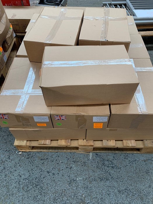 Lotto 51 - 1 LOT TO CONTAIN 18 BOXES OF ASSORTED MAILING ORANGE OPAQUE HIGH DENSITY S/W BAGS / 500 PER BOX /