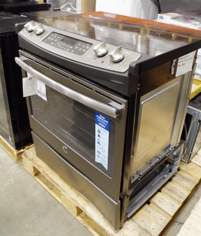 """Lot 43 - GE 30"""" Slide-In Front Control 5.3 CuFt Electric Convection Range, M/N JS760ELES"""