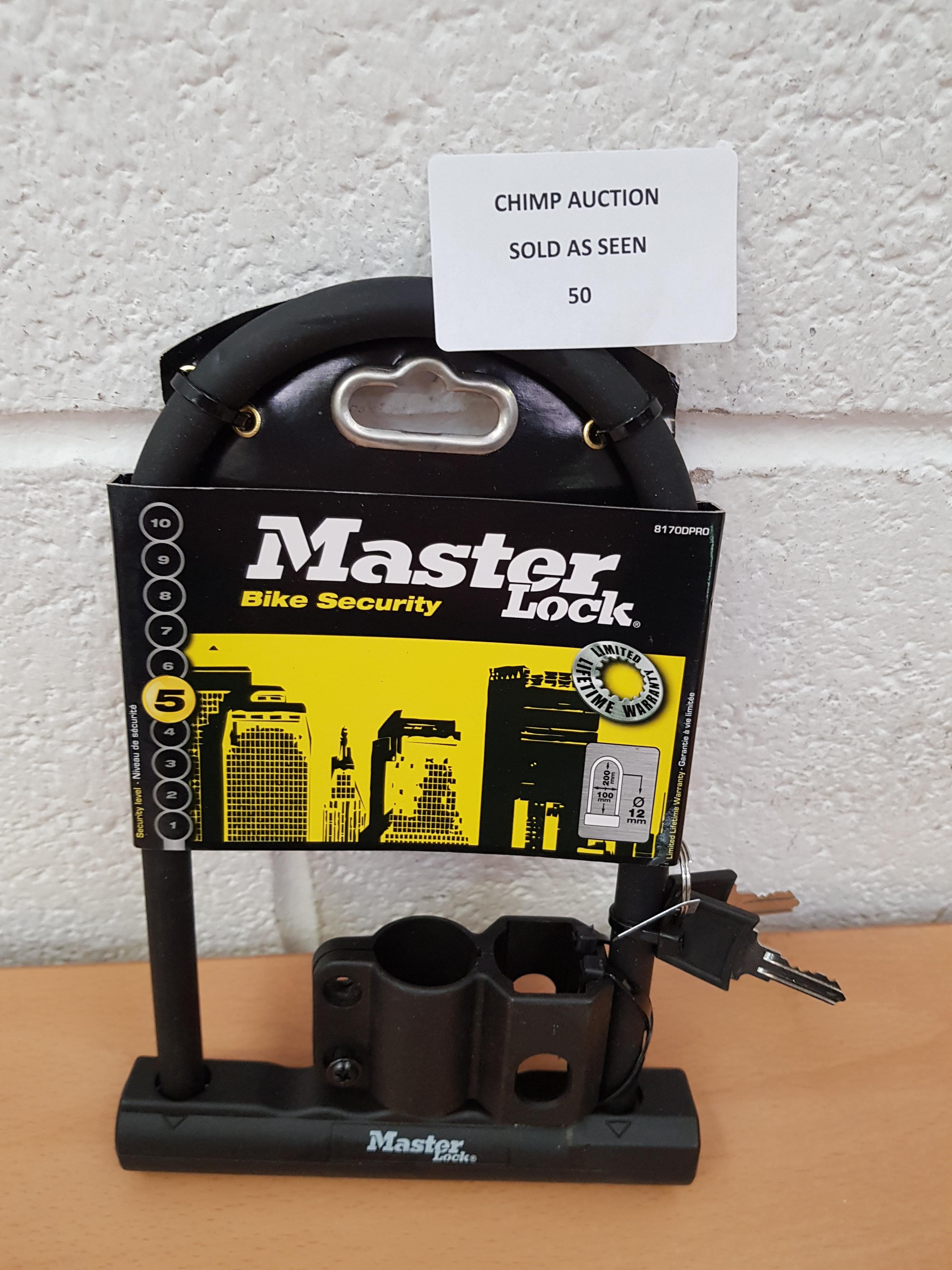 Lot 50 - Masterlock 12mm D-Lock 200mm X 100mm + Carrier Bracket