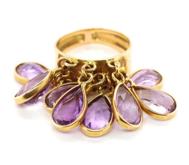 Lot 38 - Amethyst set gold ring