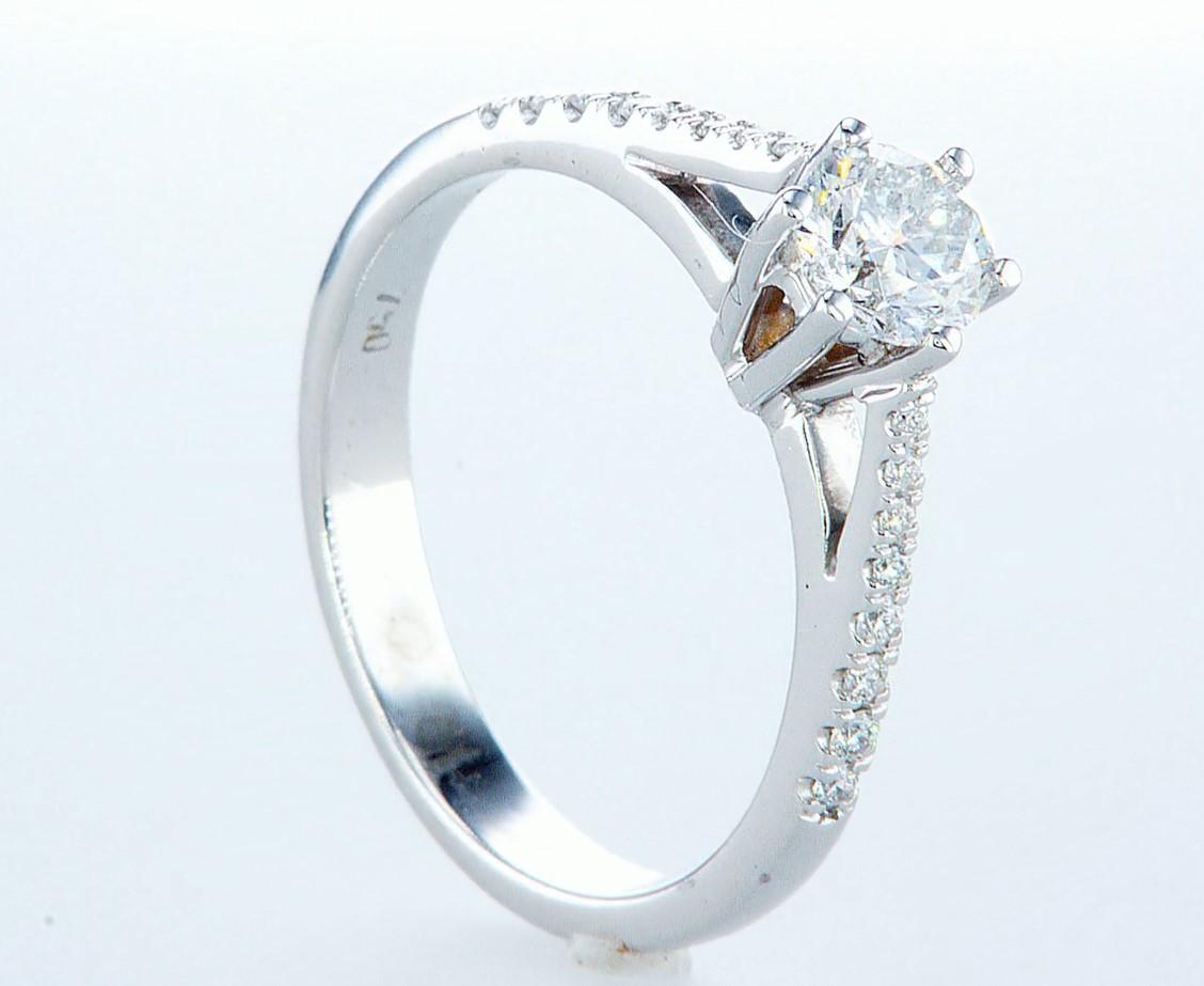 18 kt. White gold - Ring - 0.62 ct Diamond - Diamonds