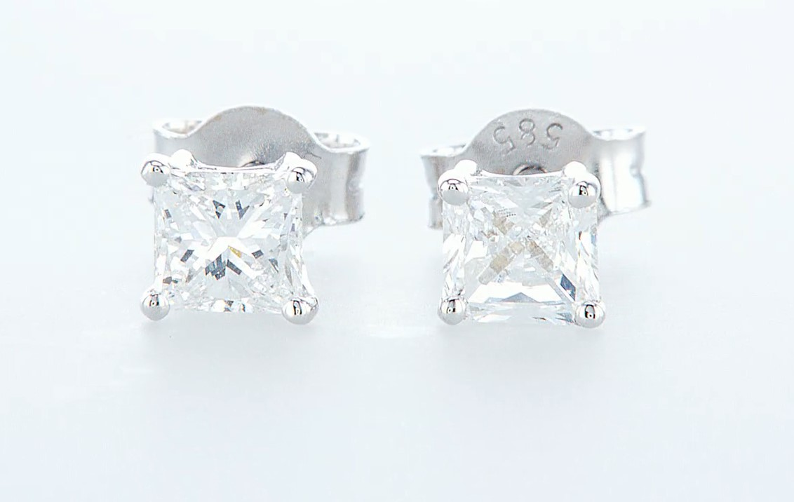 14 kt. White gold - Earrings Diamond -0.65CTW