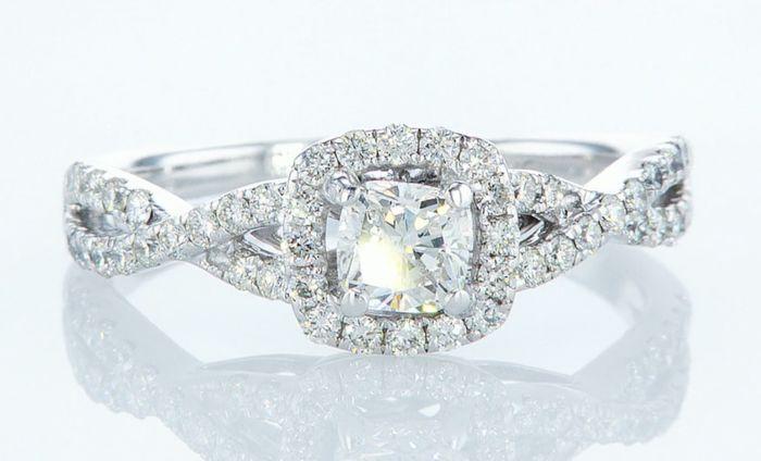 14K White gold ring 1.10CTW