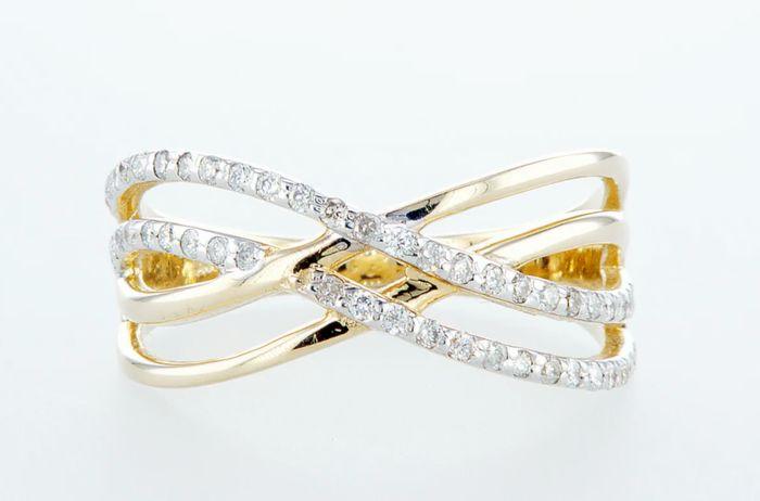 14K Yellow gold ring 0.33CTW