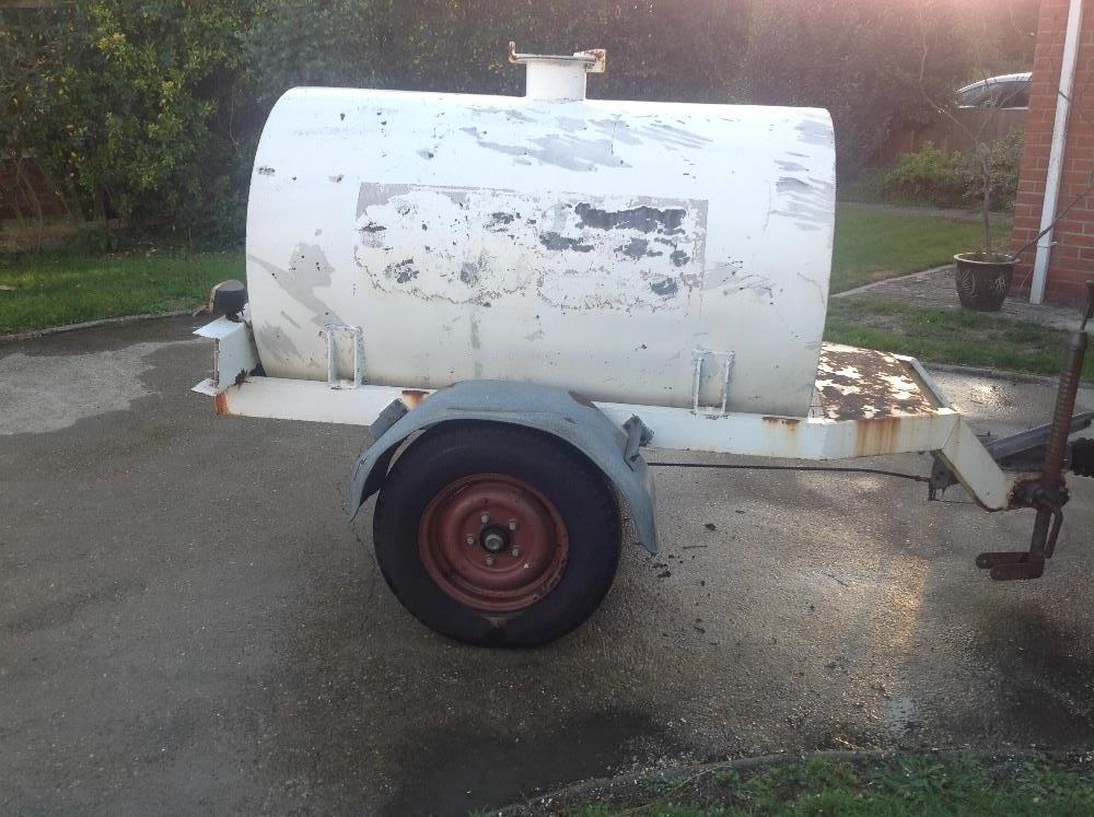 Lot 27 - Ex Anglian Water bowser, pin hitch, galvanised tank 950 x 1500 with tap. Needs TLC and paint.