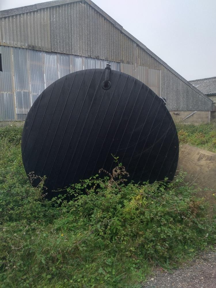 Lot 8 - 22,000 litre plastic water tank, double skin, ex drinks industry,