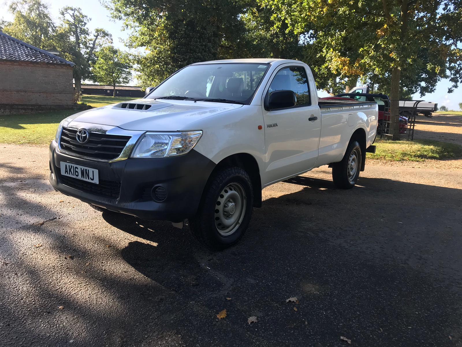 Lot 22 - Toyota Hi Lux, single cab, 2016, 25,266 miles, diesel, reg: AK16 WNJ, V5,