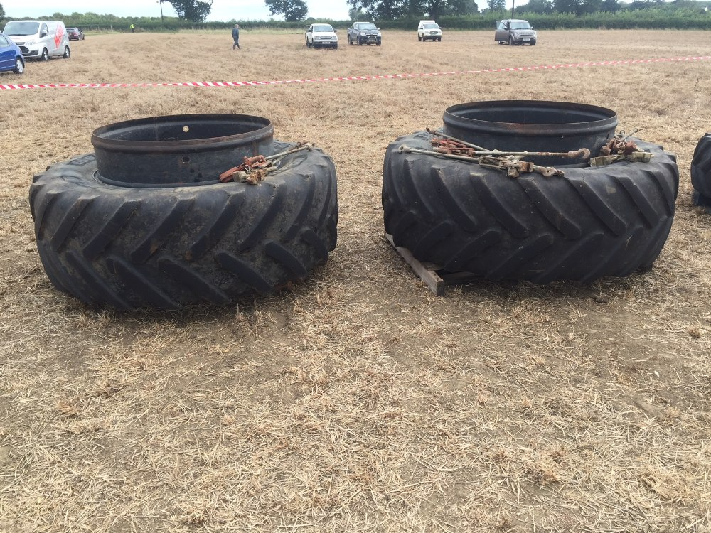 Lot 4 - 650 R42 stock dual wheels, rims only a y