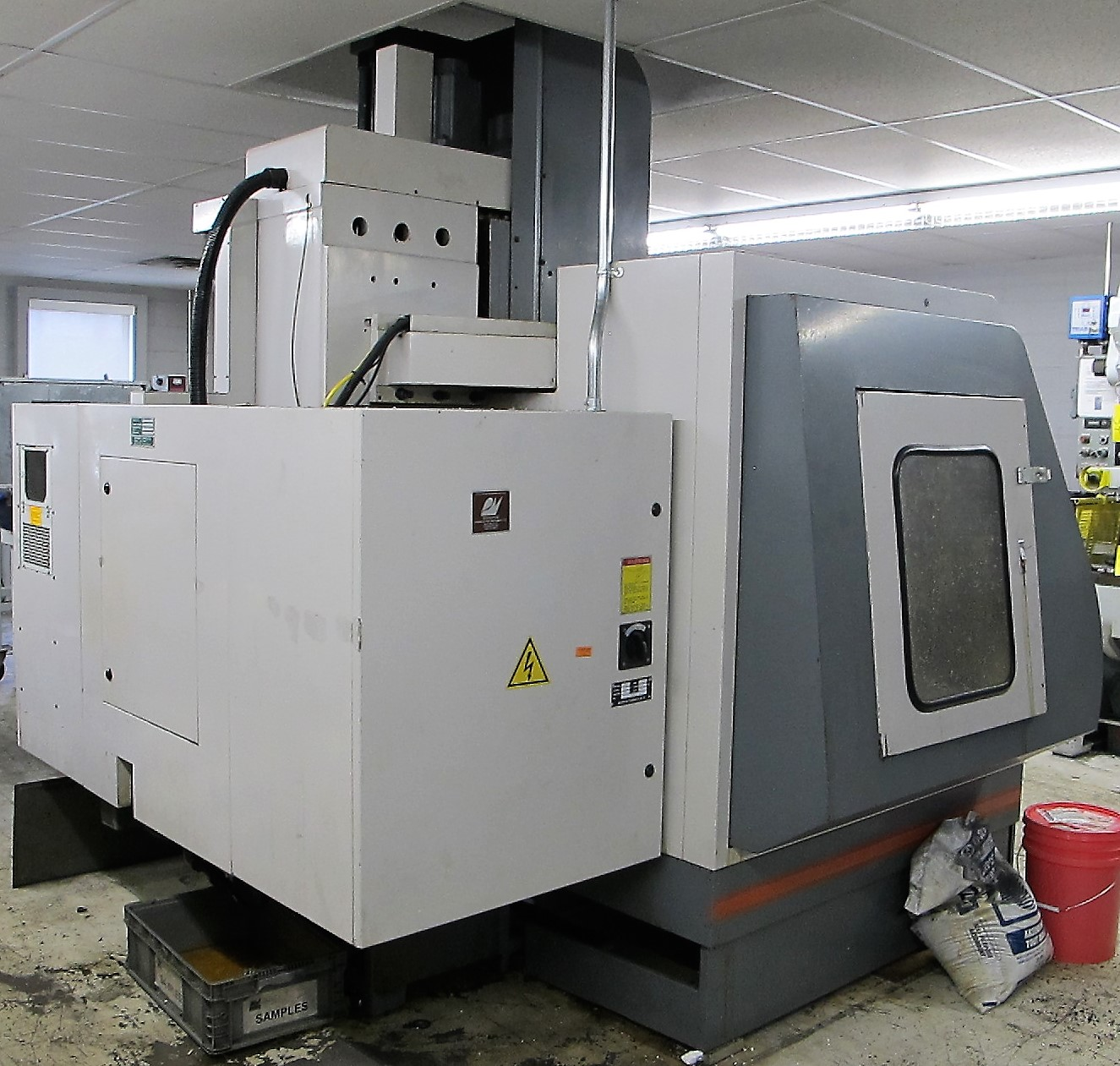 "MAXIMART VMC-850 CNC VERTICAL MACHINING CENTER, 20-ATC, MITSUBISHI CONTROL, 18"" X 39"" TABLE, 3"" - Image 8 of 10"