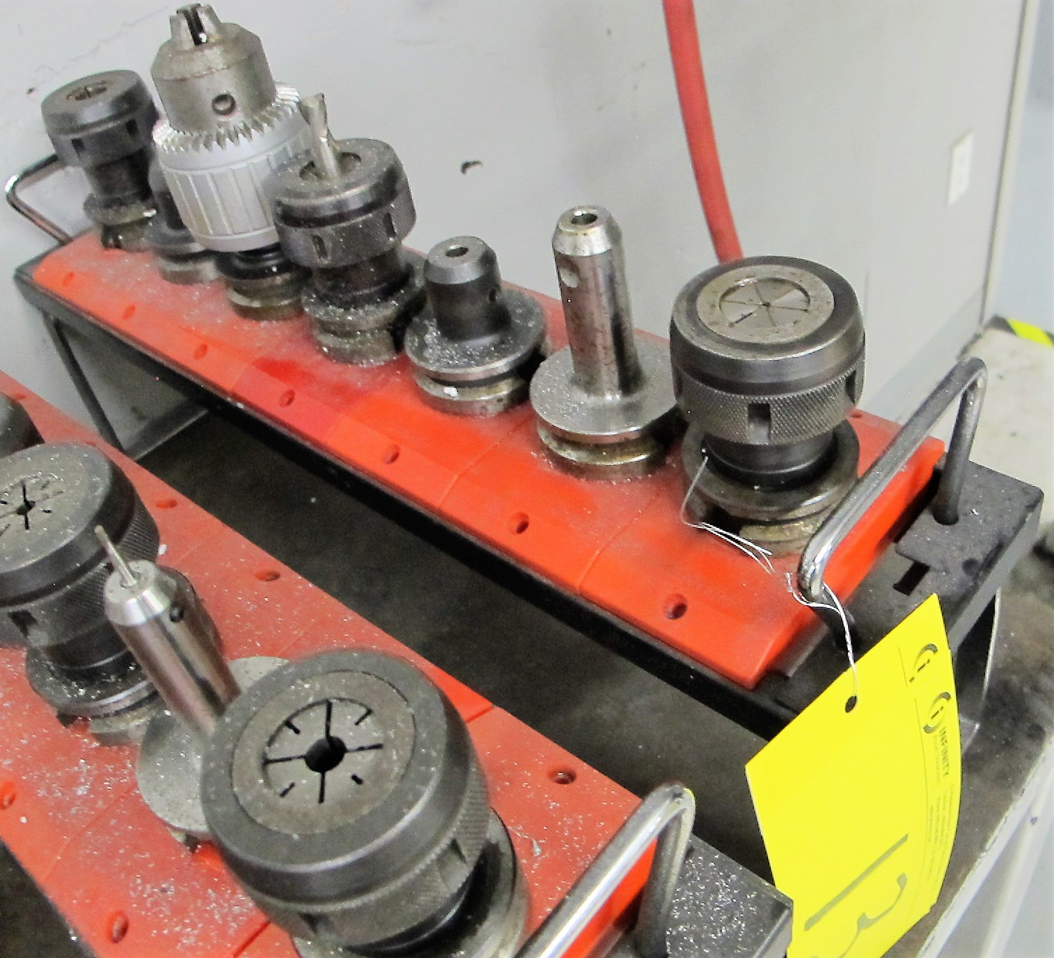 LOT OF 7 - 40 TAPER TOOL HOLDERS W/ATTACHMENT AND HOLDER TRAY