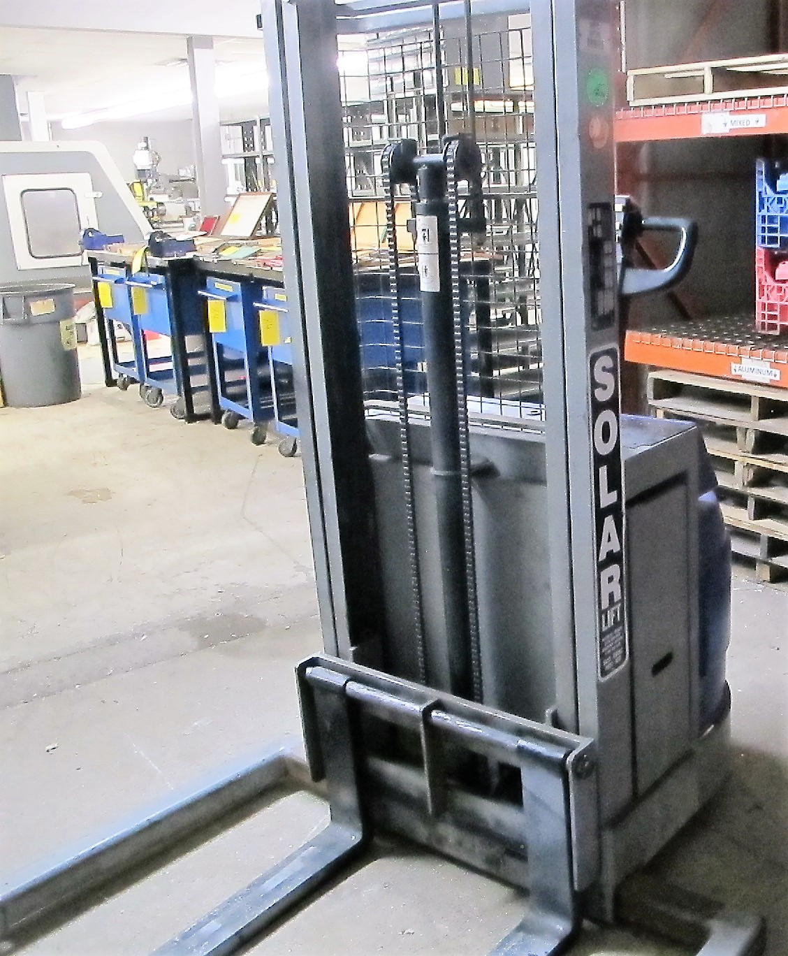 """BLUE GIANT, BGS-90 ELECTRIC STACKER, 1500 LB CAP, 90"""" LIFT, 2 STAGE, S/N 04-30010 - Image 2 of 4"""