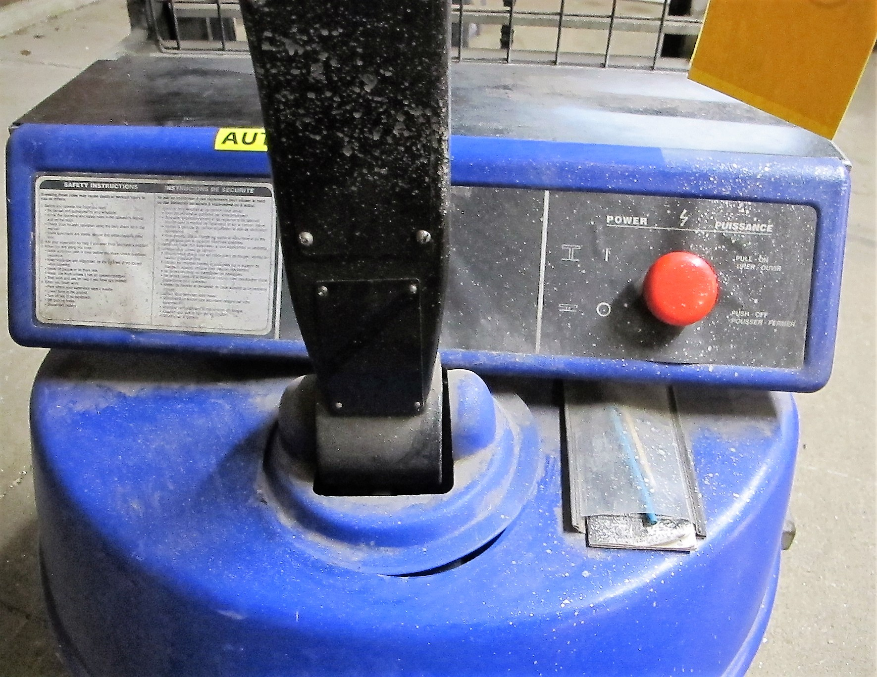 """BLUE GIANT, BGS-90 ELECTRIC STACKER, 1500 LB CAP, 90"""" LIFT, 2 STAGE, S/N 04-30010 - Image 3 of 4"""