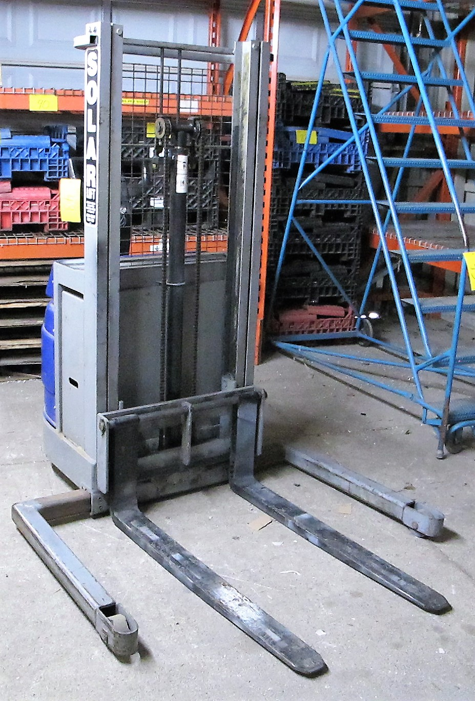 """BLUE GIANT, BGS-90 ELECTRIC STACKER, 1500 LB CAP, 90"""" LIFT, 2 STAGE, S/N 04-30010 - Image 4 of 4"""