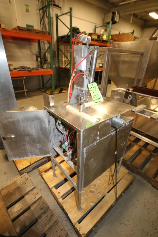 S/S Tipper Tie Machine, Mounted on S/S Table with Onboard Vacuum Pump (Located Pittsburgh, PA) - Image 4 of 6