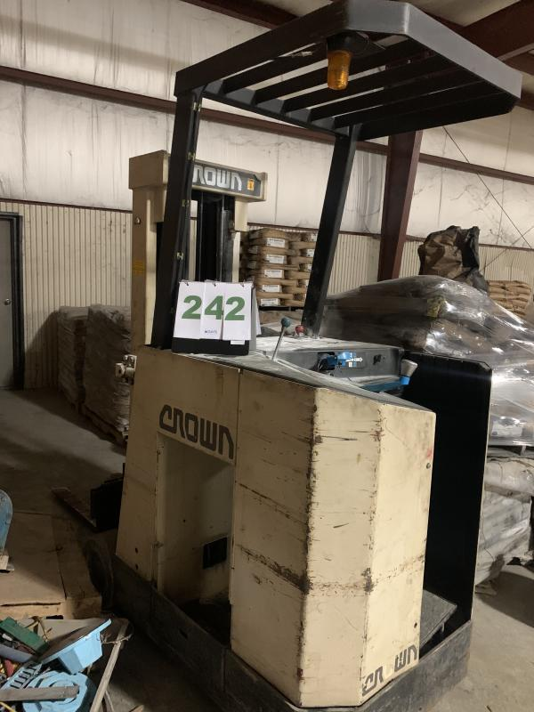 Lot 242 - Crown Stand Up Forklift Truck Battery Operated 36V Battery - No Battery but operational with battery