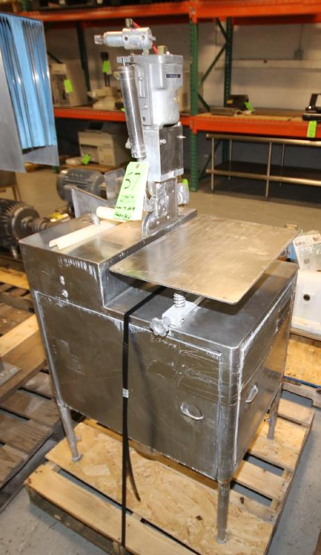 S/S Tipper Tie Machine, Mounted on S/S Table with Onboard Vacuum Pump (Located Pittsburgh, PA)