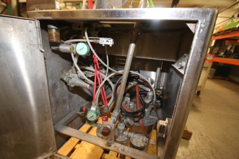 S/S Tipper Tie Machine, Mounted on S/S Table with Onboard Vacuum Pump (Located Pittsburgh, PA) - Image 5 of 6
