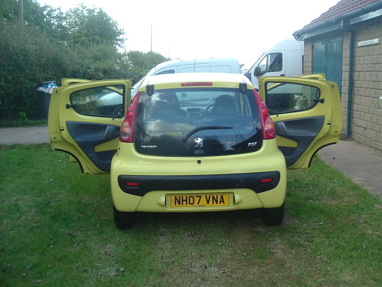 Los 39 - Peugeot 107 Urban 5 Door Petrol