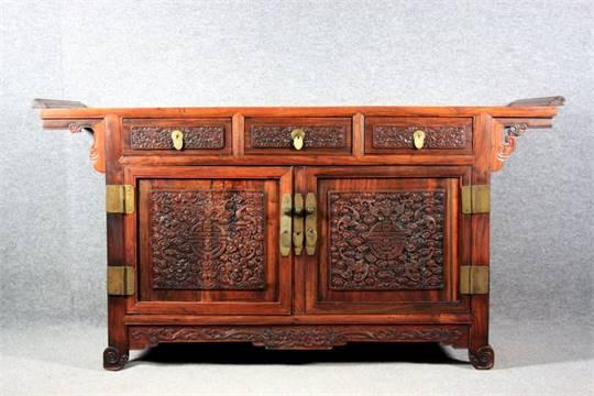 Credenza Da Centro : Credenza da centro in legno di hongmu finemente intagliato a