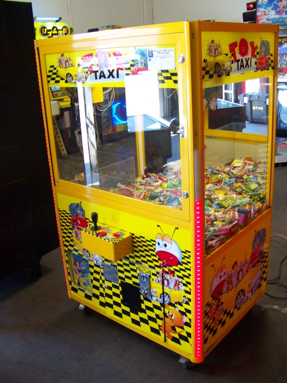 "42"" TOY TAXI MINI SIZE CANDY CLAW CRANE MACHINE - Image 3 of 4"