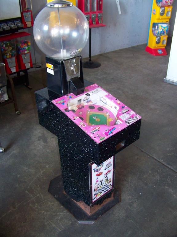 Lot 38 - GRAND SLAM GUMBALL VENDING MACHINE NOVELTY