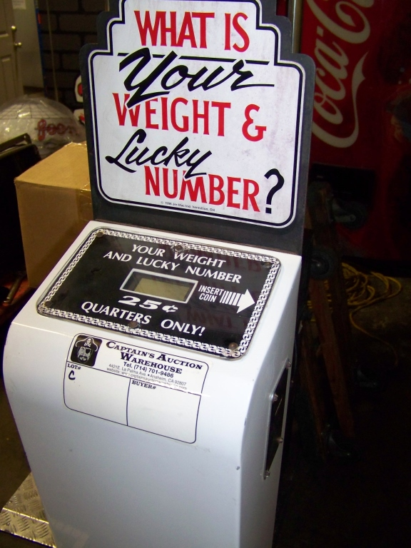 WEIGHT & LUCKY NUMBER NOVELTY SCALE COIN OP - Image 2 of 2