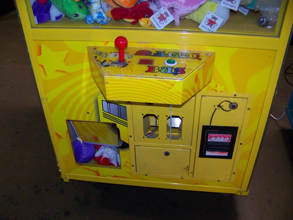 "Lot 53 - 30"" MAGIC BUS PLUSH CLAW CRANE MACHINE"