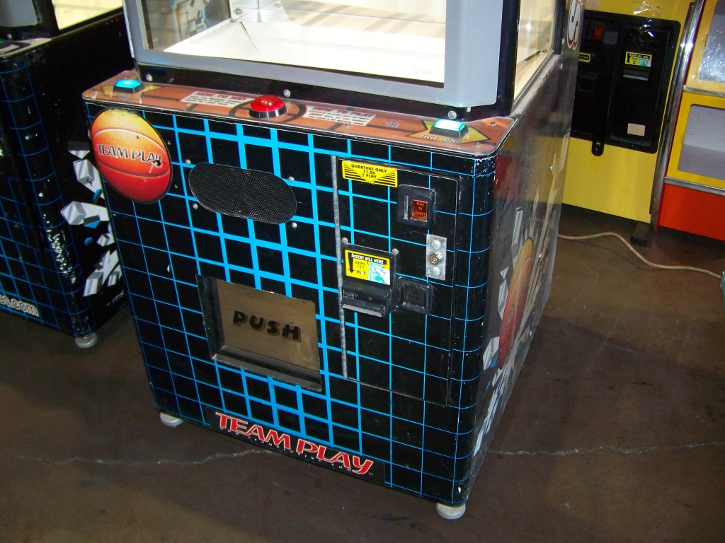 Lot 12 - PRIZE HOOPS INSTANT PRIZE REDEMPTION GAME