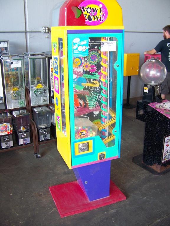 Lot 41 - WOWIE ZOWIE GUMBALL NOVELTY KINETIC MACHINE