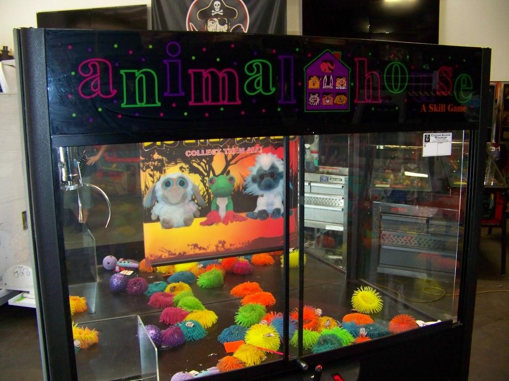 "60"" ANIMAL HOUSE PLUSH CLAW CRANE MACHINE RAINBOW - Image 3 of 4"