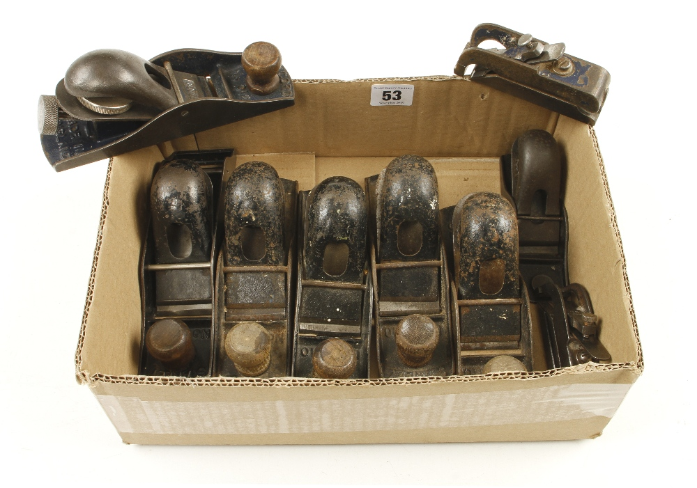 Lot 53 - A STANLEY No 130 double end block plane and eight other block planes G