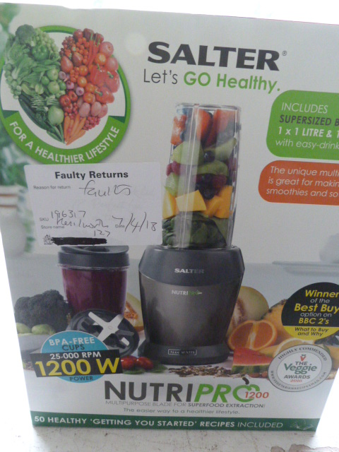 Lot 6 - *Salter Lets go Healthy Nutrapro 1200 Blender