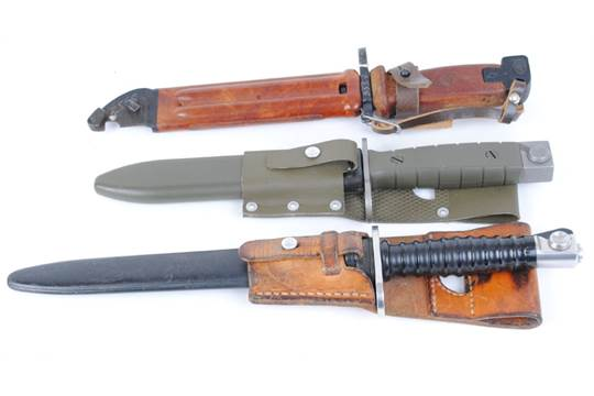 Swiss Stg 90 bayonet with scabbard and frog
