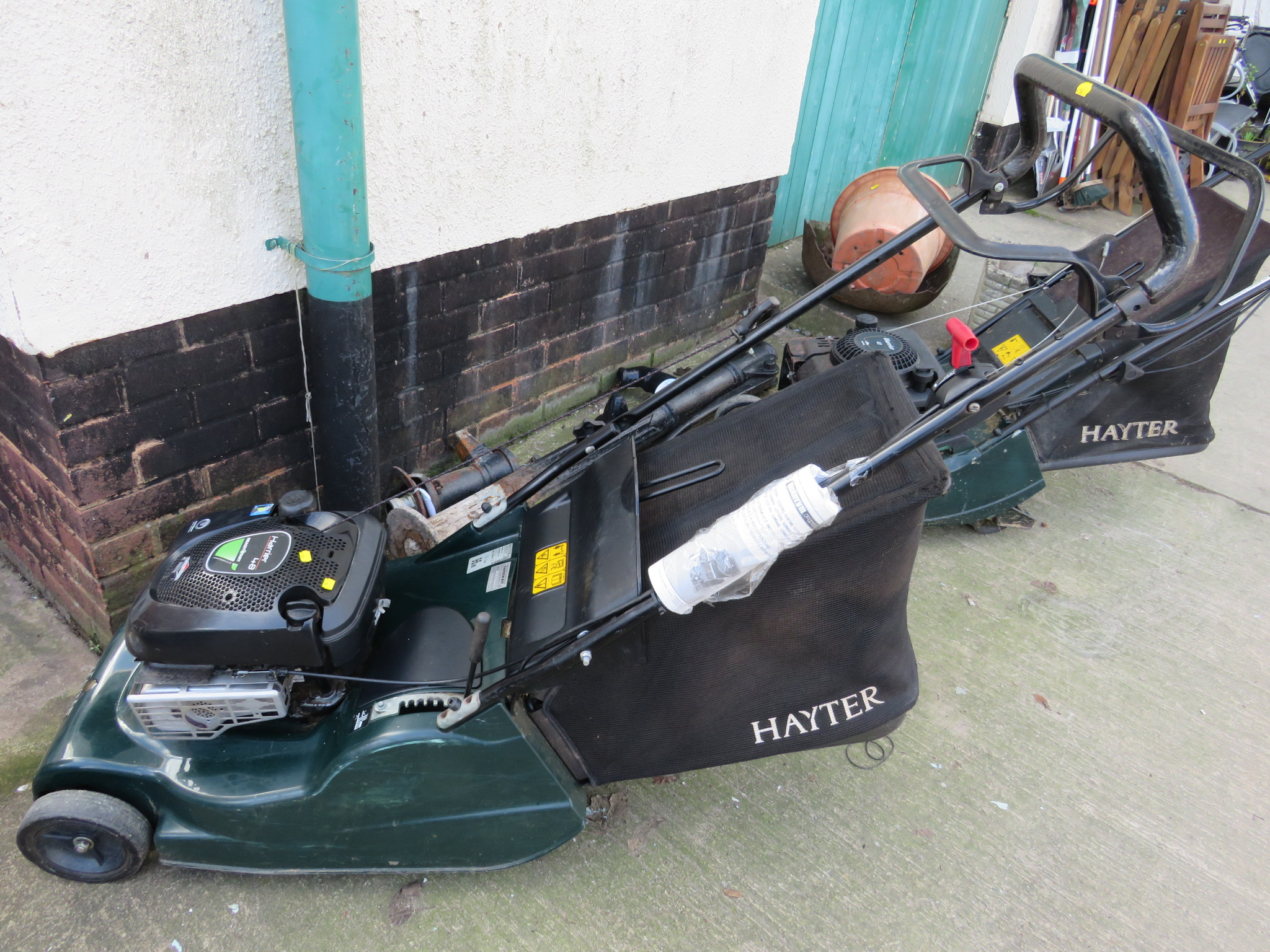 Lot 35 - HAYTER HARRIER 48 LAWNMOWER WITH BRIGGS AND STRATTON READY START PETROL ENGINE