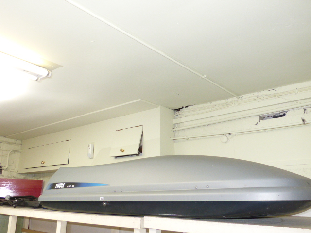 thule alpine 500 roof box bike rack and roof rack. Black Bedroom Furniture Sets. Home Design Ideas