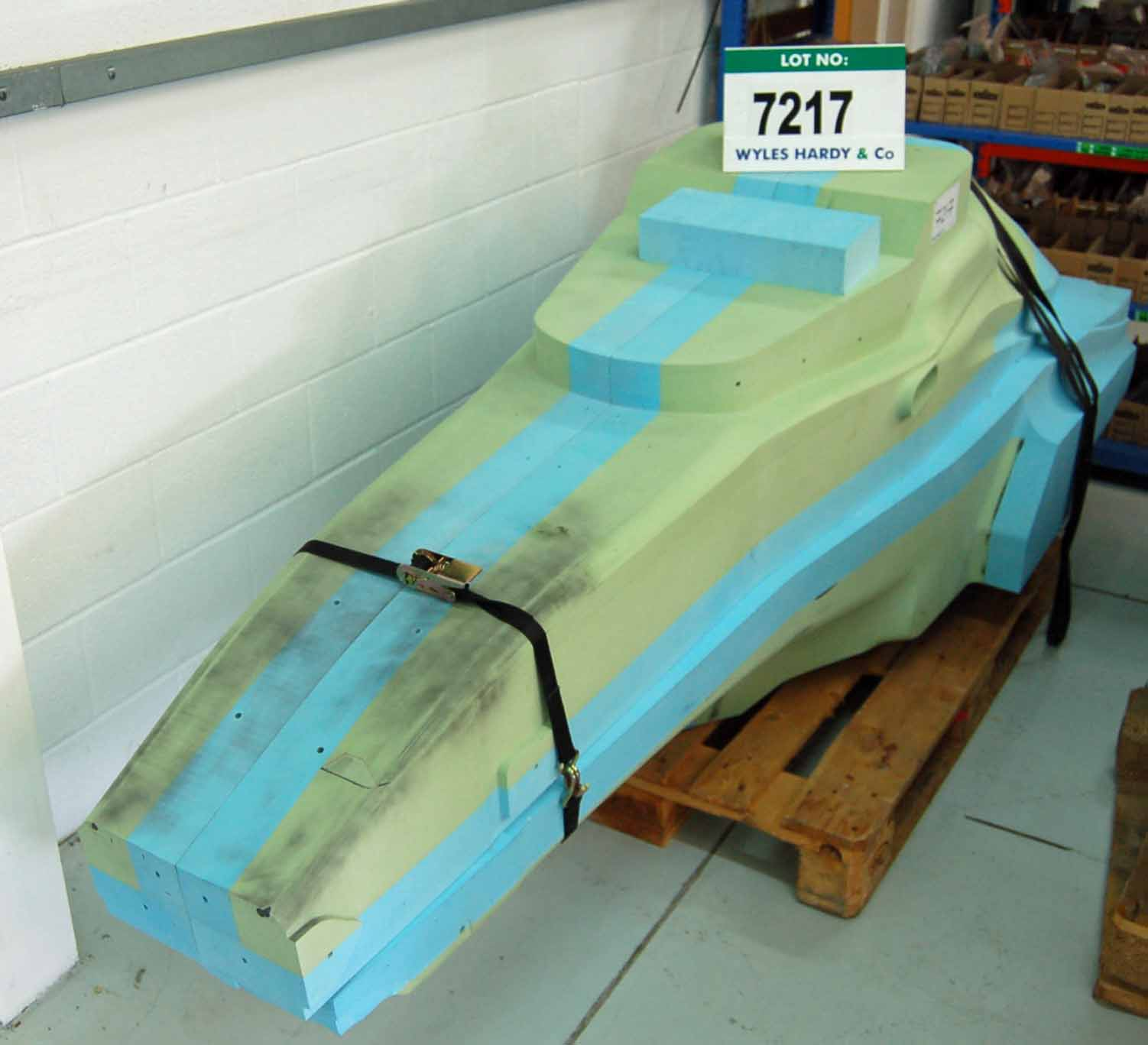 A CATERHAM F1 2015 Chassis Tub Design Pattern Buck