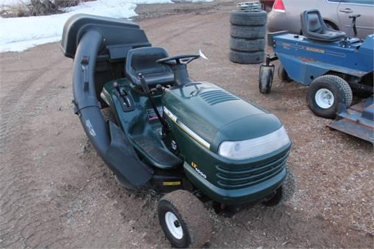 Craftsman LT1000 riding lawn tractor, undermount mower, rear