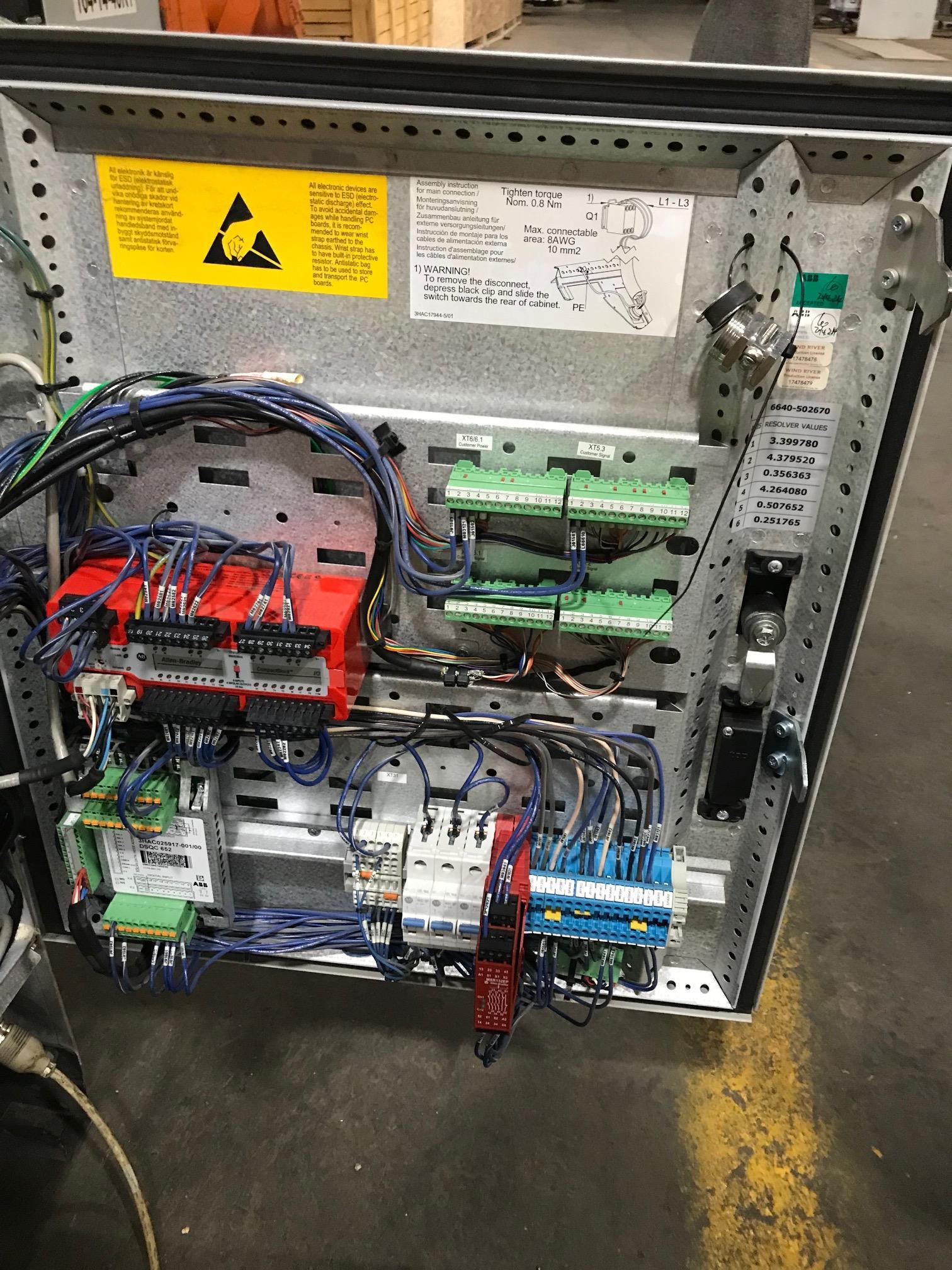 Lot 4 - 2014 - ABB - IRB6640 M2004 180/2.55 - IRC5 Controller