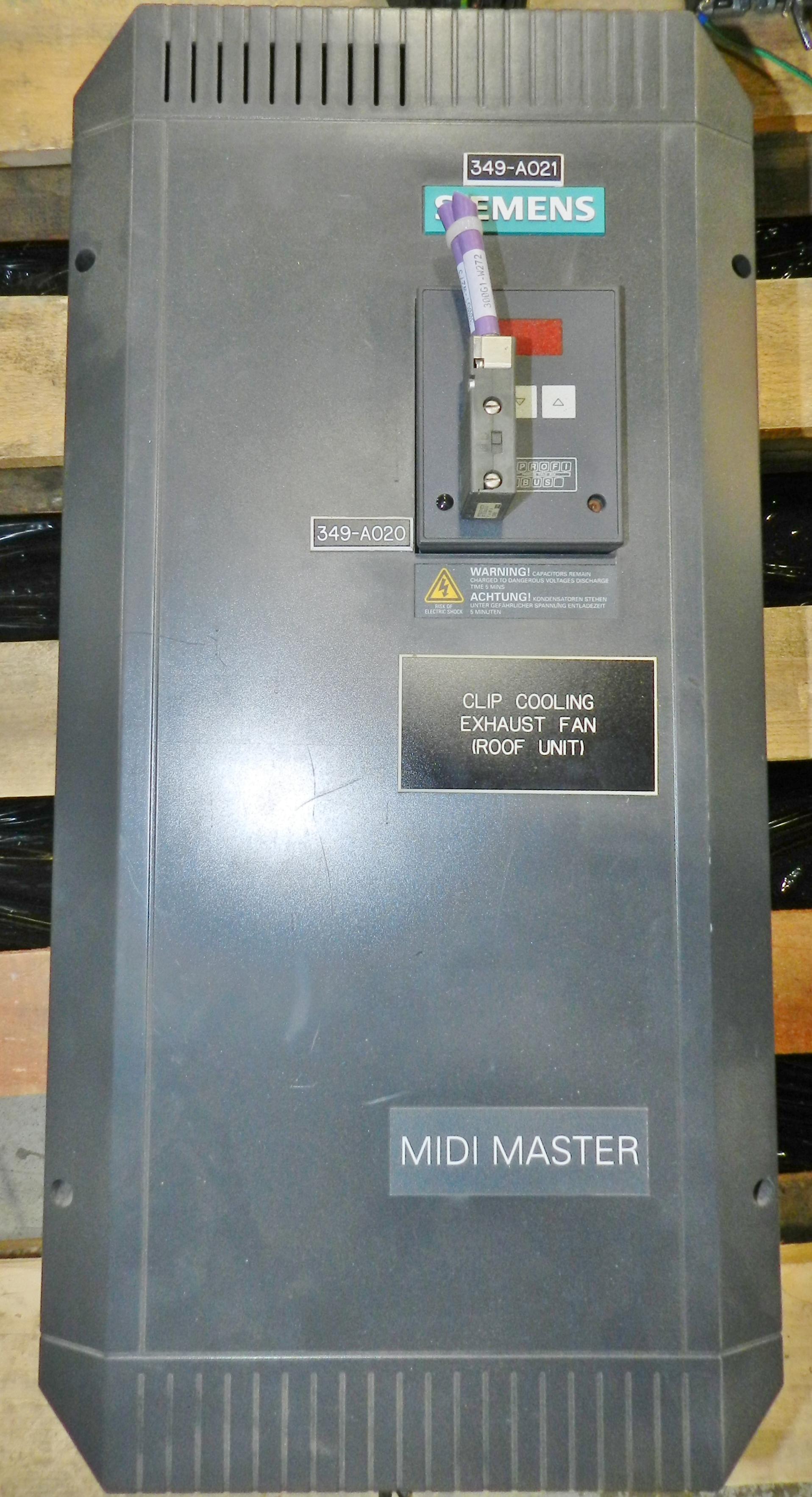 Lot 56 - Siemens MIDI Master 25HP VFD Drive