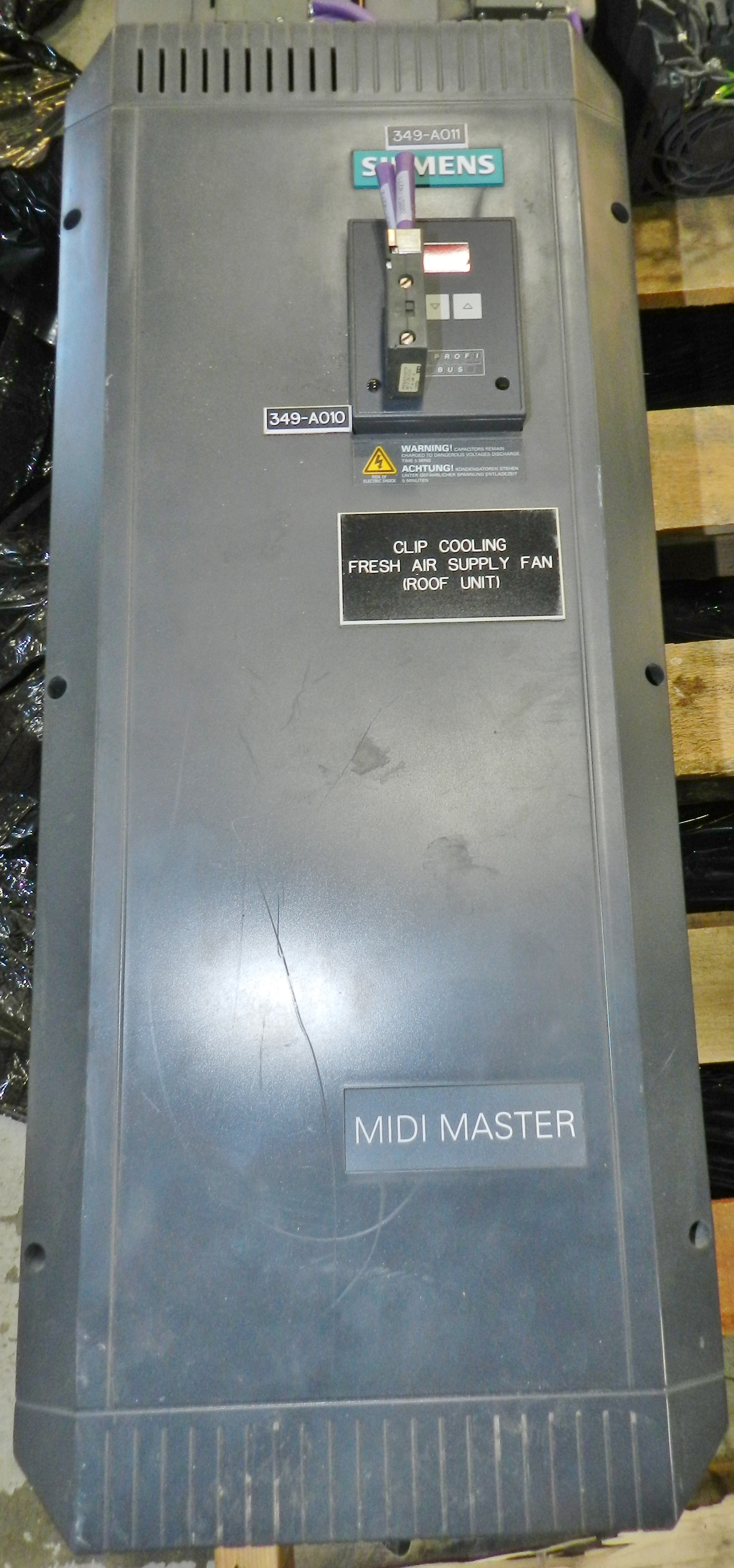 Lot 48 - Siemens MIDI MASTER 30HP Drive