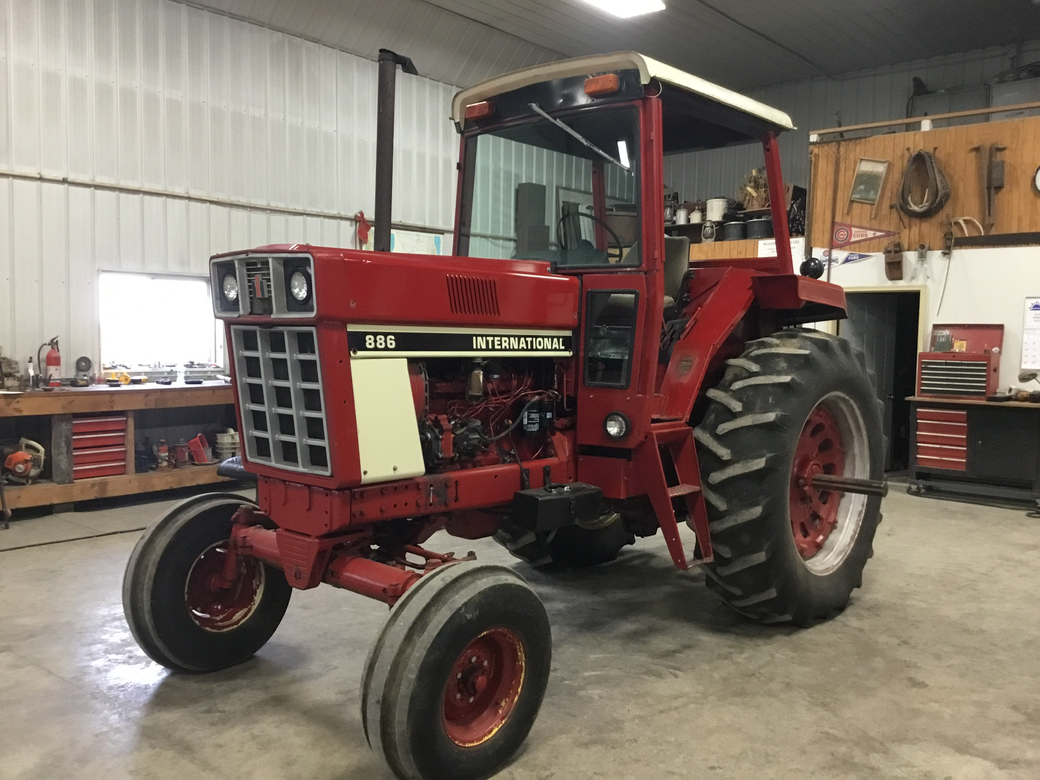 1976 International 886 Diesel, 4 Post Rops, 2 Hyd. Remotes, 3 Pt. Hitch, PTO, Serial #009595